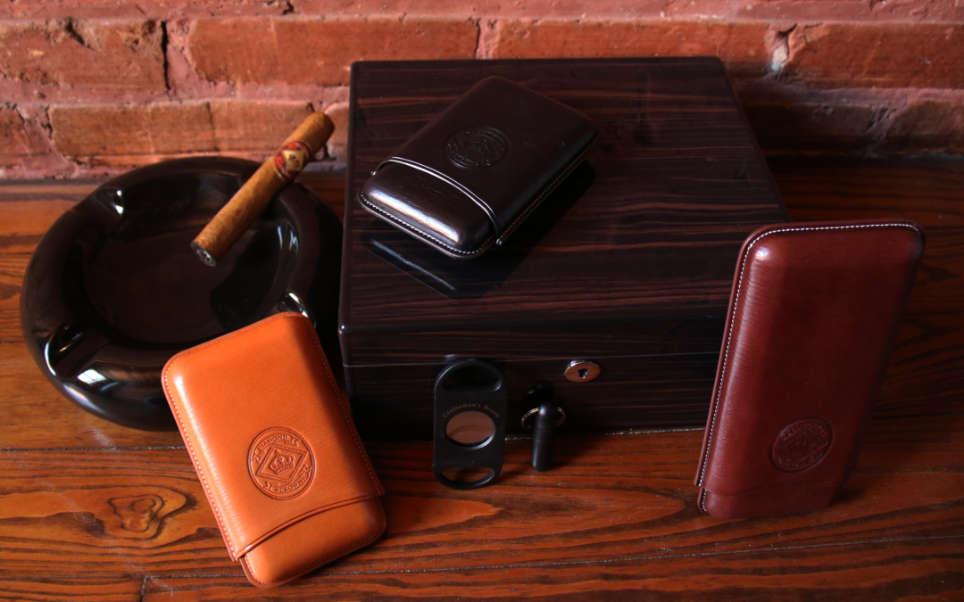 Humidor, ashtray, leather cases and cigars